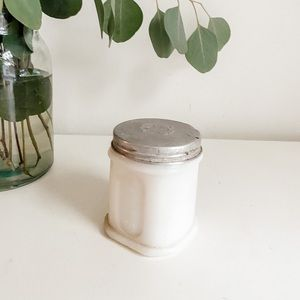 Vintage PONDS container